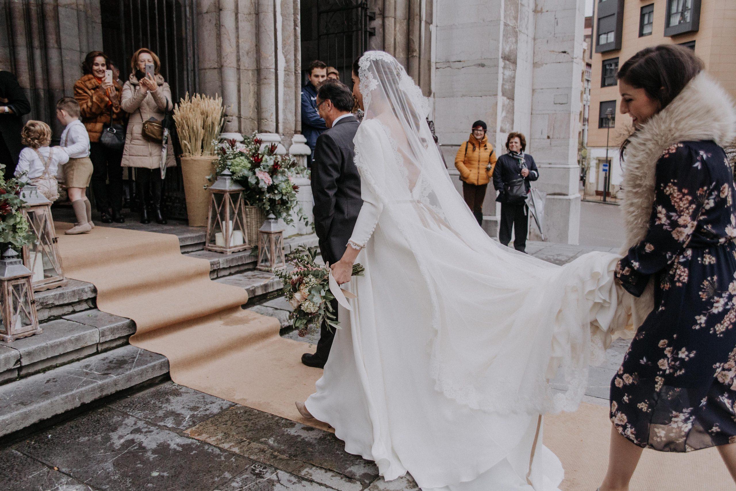 leymar-floristas-novias-asturias-aviles-ramos-bodas-decoracion-iglesia-mesas-novia (52)