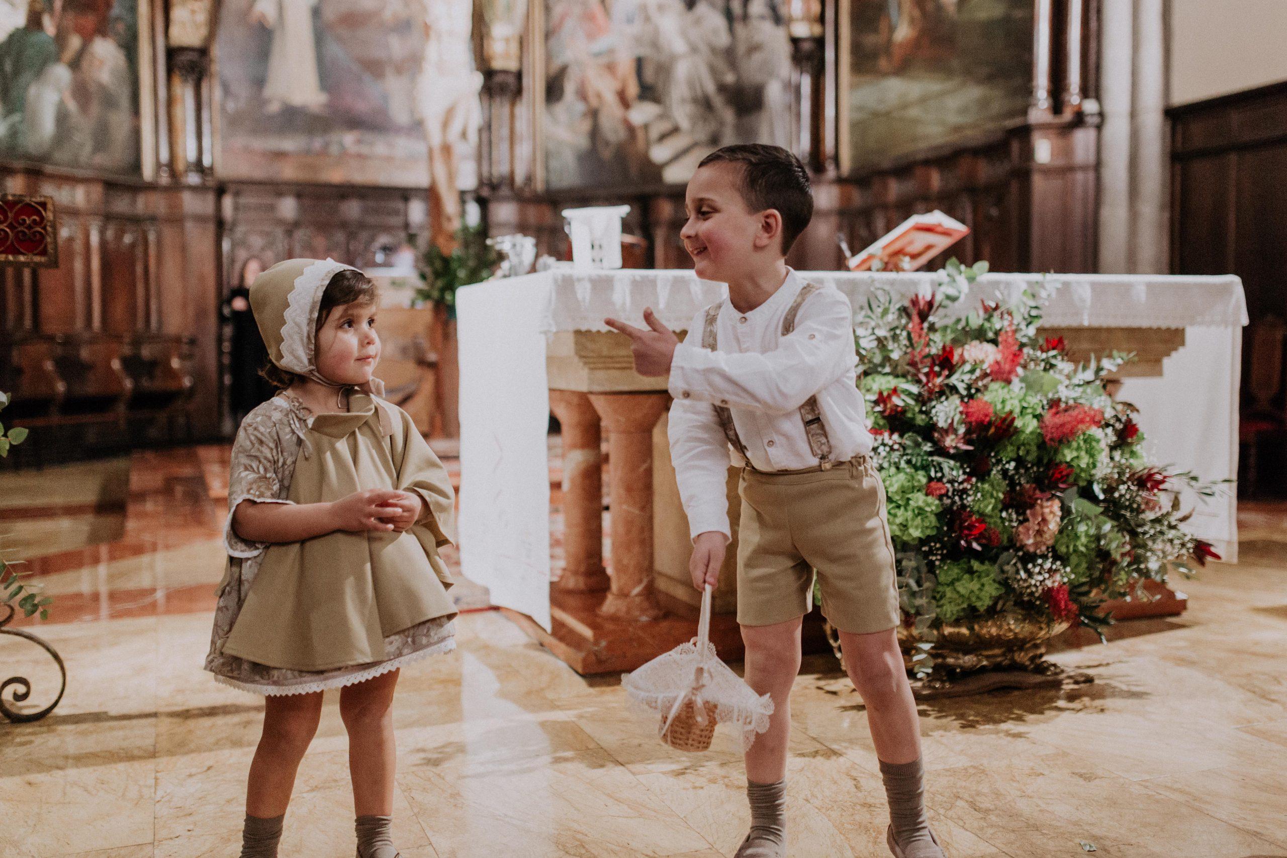 leymar-floristas-novias-asturias-aviles-ramos-bodas-decoracion-iglesia-mesas-novia (53)